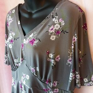 Torrid • Gray and Pink Floral Top
